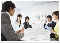 私たちは、【クライアント・ファースト】を徹底する、サービス業です。
